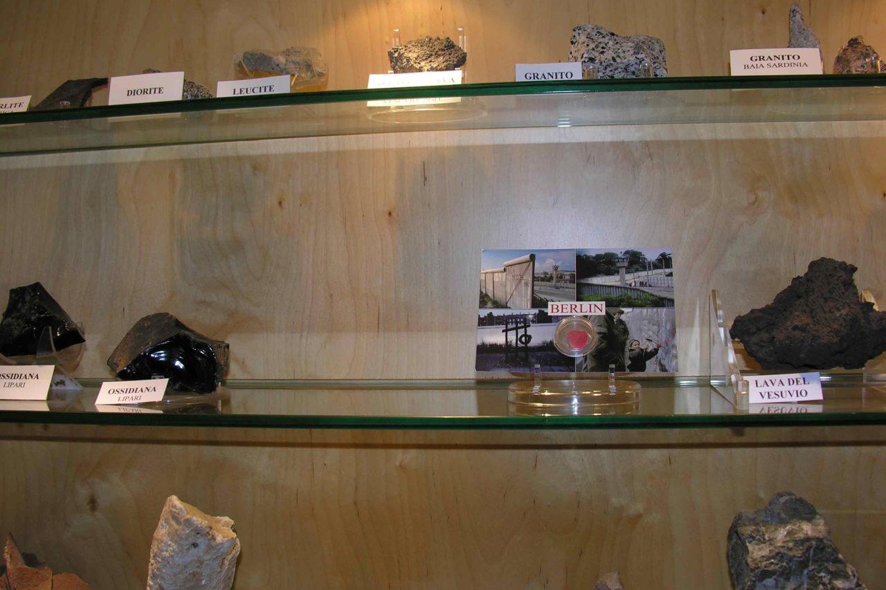 Preservation of the Berlin Wall (2007), Museo Mineralogico Campano, Vico Equense, Italy, 2007 (photo: Domenico Antonio Mancini)